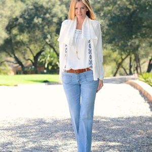 CAbi Malibu flare jeans light wash 12